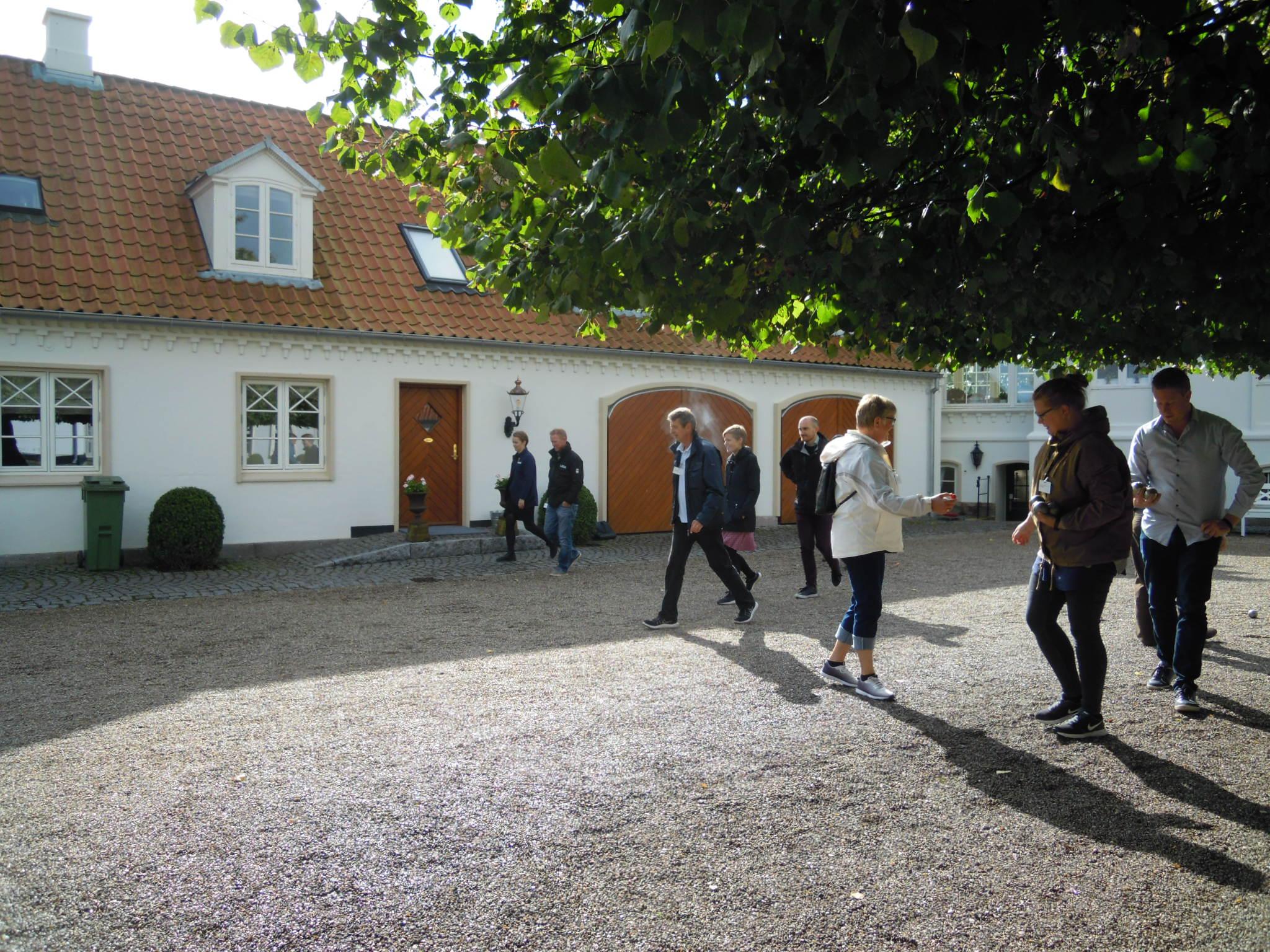 Landmålere spiller petanque